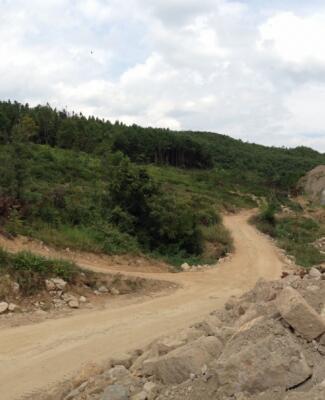 白云至龙里铁路林城二号、四号隧道 进口路基石方开挖爆破工程